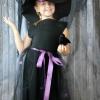 Un clásico traje de la bruja de Halloween con sombrero
