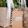 Bebé idea de regalo de la ducha: hacer un libro de consejos bebé