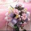 Elegantemente decorada mesa de pastel de bodas