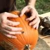 De Halloween que talla la calabaza: Cráneo linterna del o