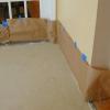 Cómo agregar ácido mancha a un piso de concreto