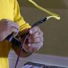 Cómo conectar una claraboya eléctrica