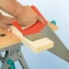 Cómo cortar madera con una sierra de mano