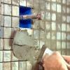 Cómo rejuntar baldosas de piedra natural