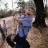 Cómo colgar un columpio de un árbol