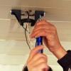 Cómo colgar un ventilador de techo al aire libre