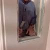 Cómo instalar un panel de bloques de vidrio
