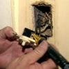 Cómo instalar un temporizador en un extractor de aire