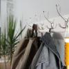 Cómo instalar un perchero de pared