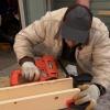¿Cómo instalar las vigas del techo falso