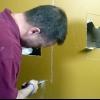 Cómo instalar la estantería empotrada