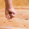 Cómo poner un contrapiso de madera contrachapada