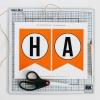 ¿Cómo hacer un clásico naranja y negro feliz halloween bandera