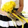 ¿Cómo hacer un ramo de la boda de la cinta colgando