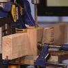 Cómo hacer un bloque de guía de perforación con bujes