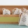 Cómo hacer una cesta de regalo para un amante del té