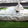 Cómo hacer una funda de cama del animal doméstico de una alfombra de tejido plano