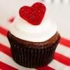 Cómo hacer que los corazones brillo fondant para las magdalenas del día de San Valentín