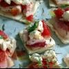 Cómo hacer triángulos de queso de cabra, tomate y tocino