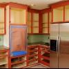 Cómo pintar gabinetes de cocina en un acabado en dos tonos