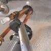 Cómo quitar y reemplazar un grifo de la cocina