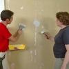 Cómo reparar paredes rugosas