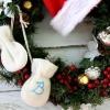 Cómo activar las manoplas para bebés en un ornamento de navidad