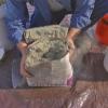 Rectifique una chimenea con revestimiento de piedra
