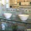 Los pros y los contras de baldosas de vidrio