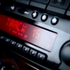 ¿Cómo puedo obtener el mejor sonido de sistema de audio de mi coche?