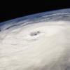 ¿Por qué parecen huracanes a moverse como si tienen una mente propia, y por qué siguen estas pistas peculiares?