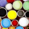 ¿Cuánto tiempo pintura emiten compuestos orgánicos volátiles en el aire?