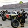 ¿Por qué no usan aire normal en los neumáticos de coche de carreras?