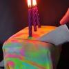 Cómo cocer al horno esta Psicodélico Colorido Sorpresa-in-the-Middle Cake