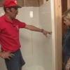 Cómo instalar una barra de apoyo en una ducha