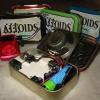 ¿Cómo hacer un altavoz de una lata de Altoids