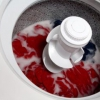 Cómo lavar la fibra de vidrio de la ropa