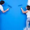 El uso de pintura para actualizar una habitación