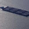 ¿Por qué pueden los barcos hechos de flotador de acero sobre el agua cuando una barra de fregaderos de acero?