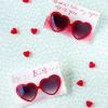 Libre para imprimir las gafas de sol del corazón de San Valentín