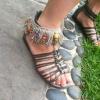 Cómo agregar Fringe a Sandals
