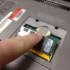 """Cómo agregar memoria a un Dell Latitude """"D"""" de la serie del ordenador portátil"""