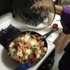 Cómo cocinar pavo ahumado, coles y verduras Estofado