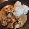Cómo cocinar pollo al curry tailandés