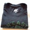 Cómo doblar una camiseta en un cuadrado perfecto