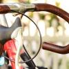 Cómo instalar Leather Coser-En Bar Wraps en su bicicleta