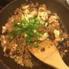 """Cómo hacer un saludable Rice-Free """"arroz frito"""" Con la Quinua"""