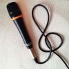 Cómo hacer un pie de micrófono El uso de un trípode