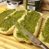 Cómo hacer un pesto Grilled Cheese Sandwich