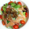 Cómo hacer una ensalada de salmón ahumado
